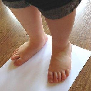 Cum masor piciorul unui bebelus copil 1