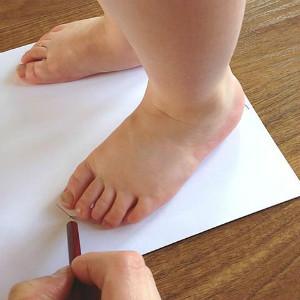 Cum masor piciorul unui bebelus copil 3