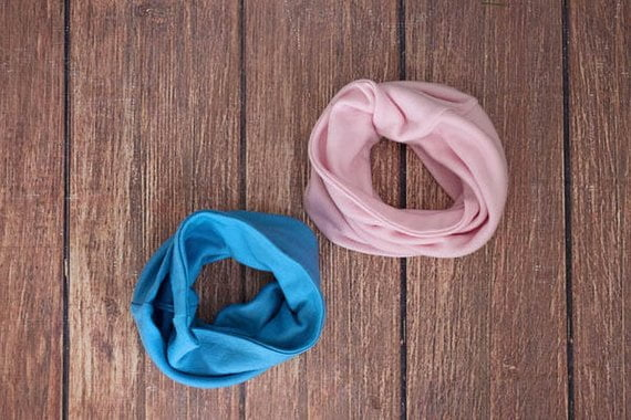 Buff uni în strat dublu baby pink din lana merinos organica pentru copii Green Rose