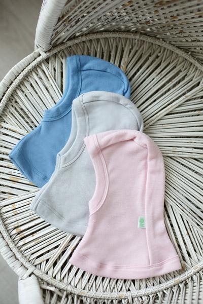 Cagula uni in strat dublu baby pink din lana merinos organica pentru copii Green Rose 1