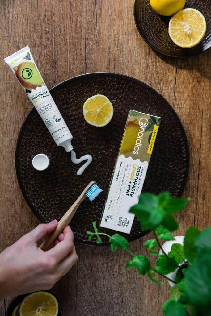 Pastă de dinți pentru albire cu lămâie și mentă bio 75ml Nordics 3
