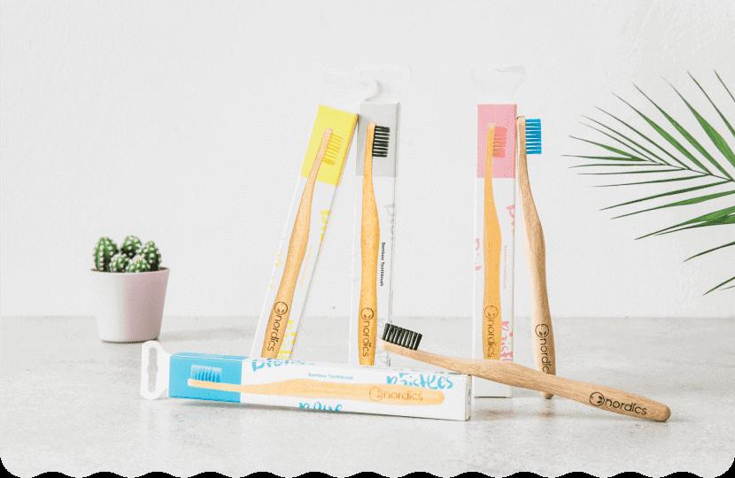 Periuță de dinți pentru adulți din bambus Nordics