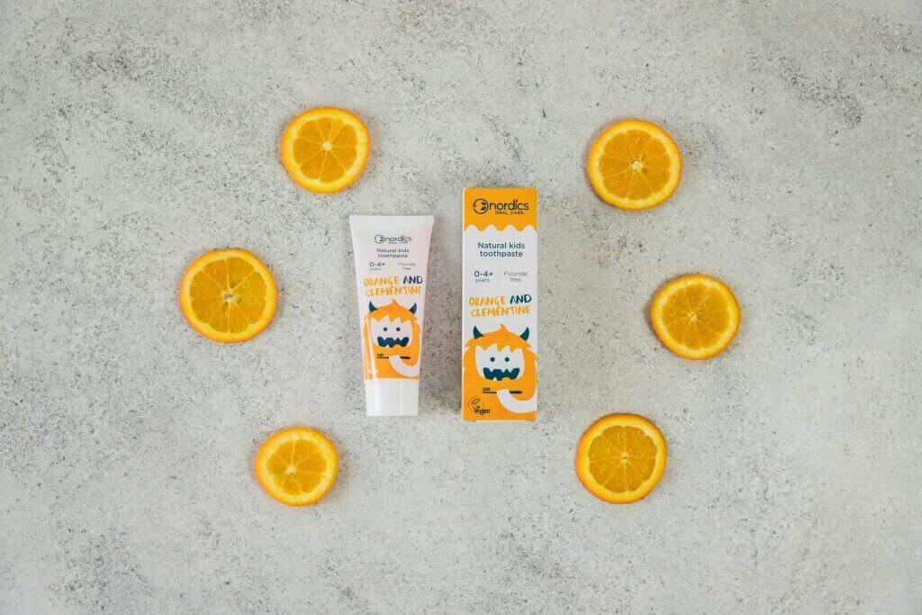 Pastă de dinți naturală pentru copii cu portocale și clementine 50ml Nordics 3