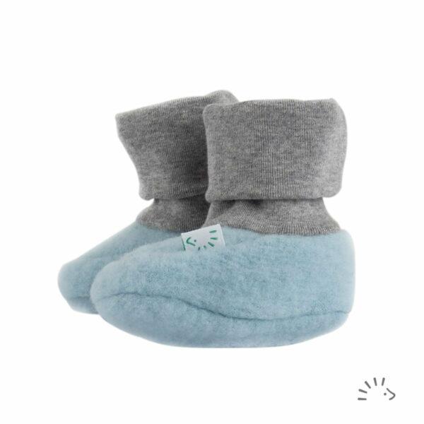 Botoşei pentru bebeluși din lână merinos fleece organică ice blue Iobio Popolini