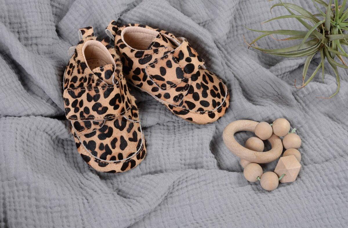 Pantofi barefoot din piele naturală pentru primii pași Leopard Move By Melton