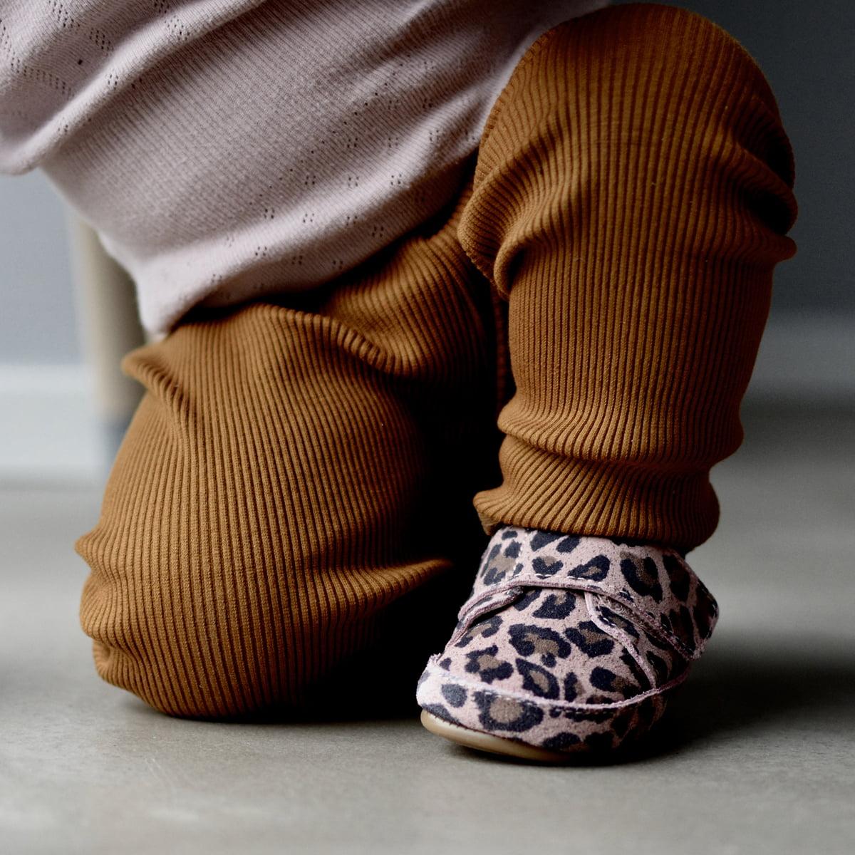 Pantofi barefoot din piele naturală pentru primii pași Rose Leopard Move By Melton