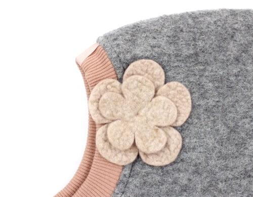 Cagulă dublată din lână merinos boiled wool Elfie Light Grey Dusty Rose HUTTELiHUT 1